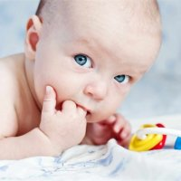 【家家母婴】宝宝这么大还吃手,真的会变丑!家长们快来管管!