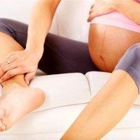 【家家月嫂】孕期腿抽筋怎么办?用好这几招就能缓解!
