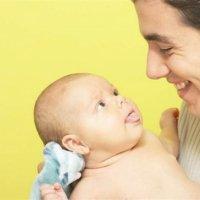 【家家母婴】宝宝为什么会吐舌头?背后竟隐藏着这些秘密!