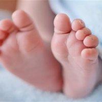 【家家月嫂】为什么新生儿出生都要留下脚印?原来有这么大用处!