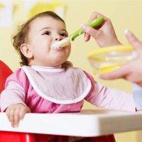 【家家母婴】宝宝什么时候可以用餐椅?到这个时候就要准备了!
