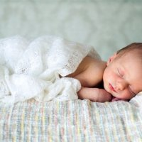 【家家月嫂】宝宝出生后忙碌的十分钟,原来是在忙这些事!别再怀疑TA被掉包了!