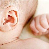 【家家月嫂】别乱给宝宝掏耳朵 出现这个问题 得赶紧就医