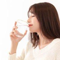 【家家母婴】母乳妈妈为了产奶,一天要喝多少水?