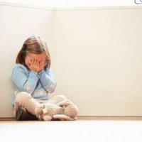 孩子经常夹腿怎么说都不改?这些原因,父母一定要引起重视