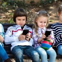 玩手机、不刷牙、吃零食……比说教更管用的是这一招!