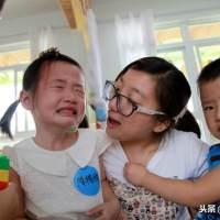 """首批""""二孩""""入园,家长面临三大难题,感慨此时才知生二胎的难处"""